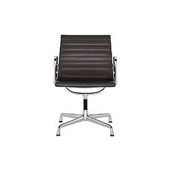 EA 104 会议椅 伊姆斯夫妇  vitra家具品牌