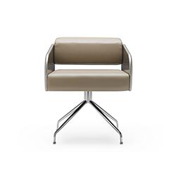 软垫皮革躺椅 何塞·马丁内斯·梅迪纳  休闲椅