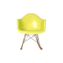 儿童版伊姆斯摇椅 伊姆斯夫妇  Charles & Ray Eames 伊姆斯夫妇