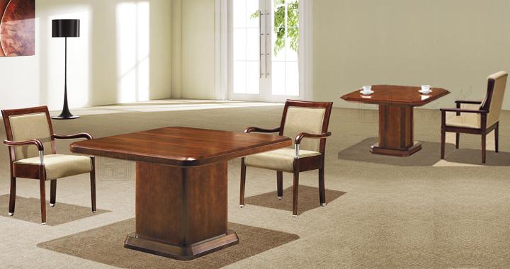 类似款场景图展示图,以设计风格独特简洁的风格线条的全实木配置,真皮会议椅组合,简单,简约,不乏时尚,高贵。 保养说明: 1. 请保持室内的通风,以免过于干燥或潮湿; 2. 每周一次用干净毛巾沾清水拧干,重复进行轻拭后用干毛绒巾擦干; 3. 如在桌面上打翻饮料,应立即用干净布或海绵将之吸干,并用湿布擦抹,让其自然干,切勿用吹风筒吹干; 4.